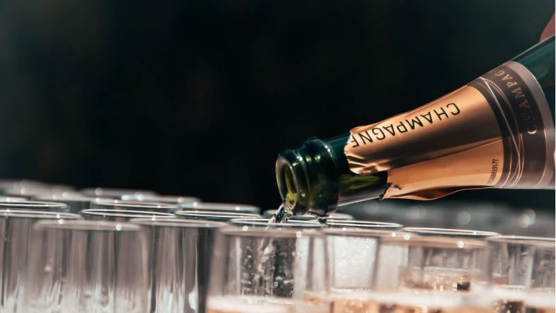 The Complete Champagne Guide That You Must Read