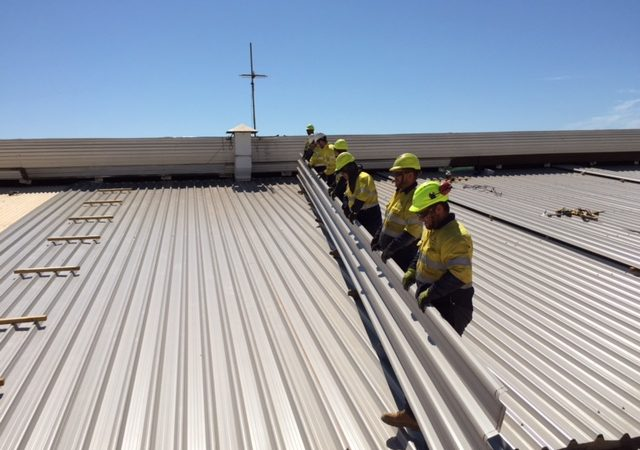 How to Hire the Best Commercial Roofing Contractor and Company?