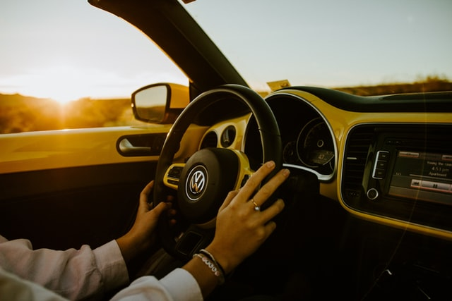 What to Look in A Driving School?