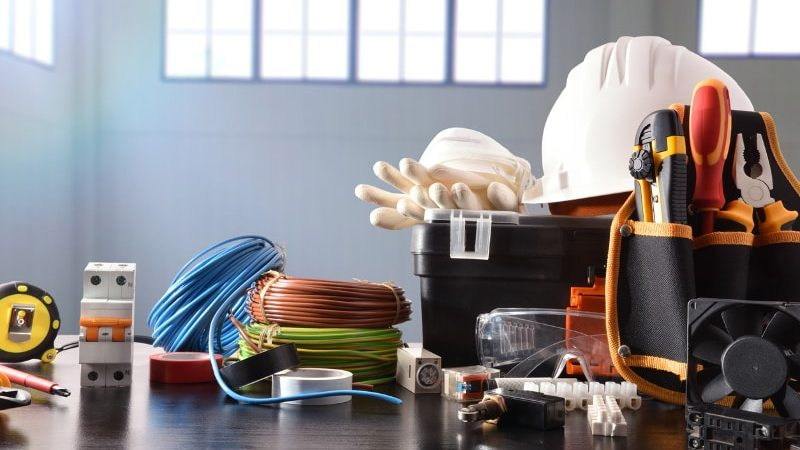Five Signs You Need to Hire an Emergency Electrician