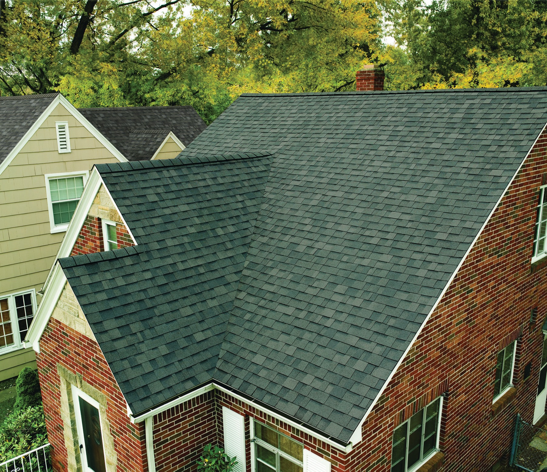 How Do I Select the Right Material for My Roof?