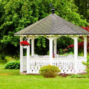 Easy ideas for creating a stunning focal point in your garden